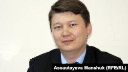 Алматы қаласындағы ауданаралық ювеналды соттың судьясы Ернар Қасымбек. Алматы, 24 мамыр 2013 жыл