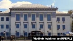 Киевтегі Ресей елшілігі. 17 қыркүйек 2016 жыл.