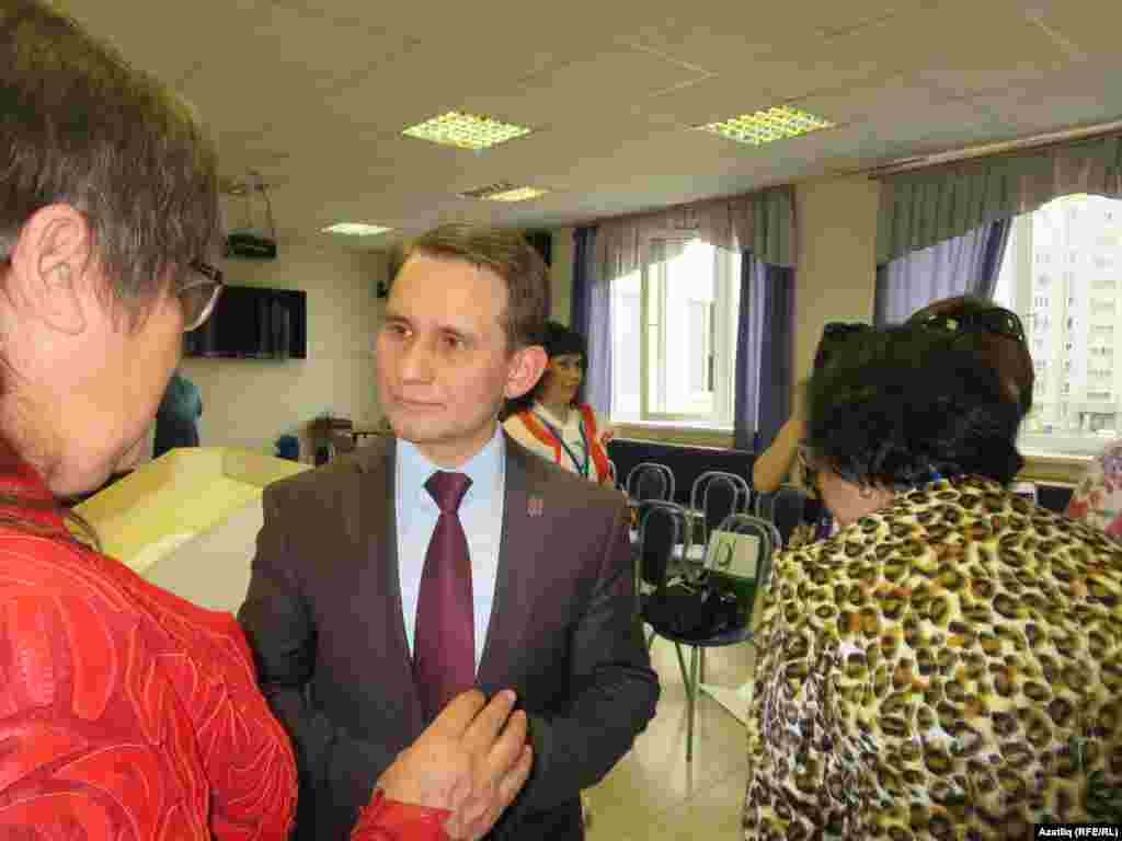 Корылтай кунаклары Казанның иң дәрәҗәләре мәктәпләре эше белән танышты