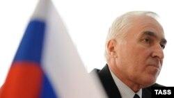 Югоосетинский лидер впервые публично заявил о необходимости подписания нового договора с Россией. Леонид Тибилов объяснил необходимость подписания интеграционного соглашения возникновением новых внешних вызовов и угроз
