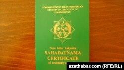 Türkmenistanyň orta bilim hakyndaky şahadatnamasy.