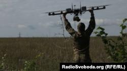 Експерт: Системами РЕБ у Донецьку керують російські екіпажі. Їх навряд чи, як і Бук, стали б довіряти рядовим бойовикам