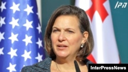 Diplomata americană Victoria Nuland în cursul călătoriei întreprinse în decembria în Georgia