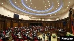 Заседание парламента Армении, архив