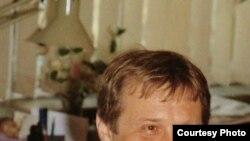 """Андрей Левкин, лауреат Премии Андрея Белого 2001 года. [Фото — <a href=""""http://gallery.vavilon.ru"""" target=_blank>«Лица русской литературы»</a>]"""