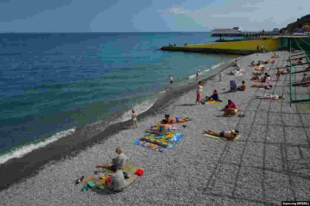 İyün 2015 senesi. Tatil mevsimi başında Aluşta yalısı