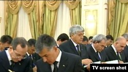 Türkmenistanyň Ministrler Kabinetiniň giňişleýin mejlisinde Magtymguly adyndakt türkmen döwlet uniwersitetiniň rektory Çaryýar Tugyýew wezipesinden boşadylýar, 9-njy iýul, 2010-njy ýyl.