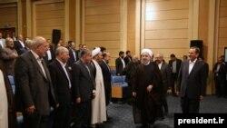 Iranski predsednik Hasan Rohani na sastanku sa vladinim zvaničnicima, juni 2017.