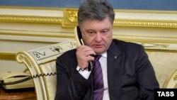 Президент України Петро Порошенко просить Надію Савченко припинити сухе голодування, 19 квітня 2016 року