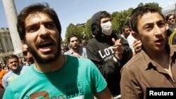 Яркой демонстрацией ухудшения ситуации с правами разного рода меньшинств, стали события 17 мая, когда многотысячная толпа помешала проведению акции против гомофобии в Тбилиси