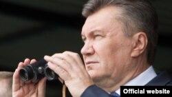 претседателот на Украина Виктор Јанукович