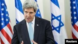 Джон Керри во время одного из последних визитов в Израиль