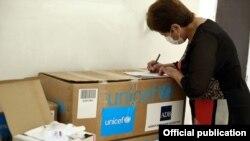 Азия өнүктүрүү банкы жана ЮНИСЕФ берген медициналык жардам.