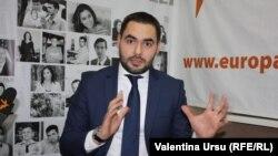 Iulian Groza în studioul Europei Libere la Chișinău