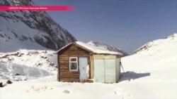 Как живут и работают ученые на леднике в Кыргызстане (видео)