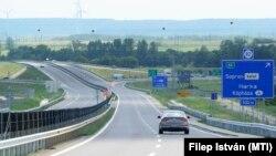 Az M85-ös autóút út Csorna-nyugat és Balf csomópont között átadott új szakasza 2021. június 9-én