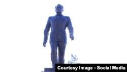Памятник Нурсултану Назарбаеву в Талдыкоргане. 30 ноября 2016 года.