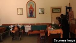 Парафіяни храму Покрови Пресвятої Богородиці в селі Перевальному