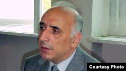 Akif Muradverdiyev in 2004