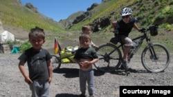 Туристы из Германии в Горном Бадахшане
