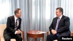 Viktor Yanukovych və Ban Ki-moon, arxiv foto