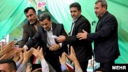 یکی از سفرهای محمود احمدینژاد به همدان در خرداد ۹۴