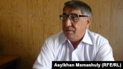 «СКЗ-U» ЖШС бас директорының бірінші орынбасары Құралбек Базарбаев. Қызылорда облысы, Жаңақорған ауданы, 24 тамыз 2012 жыл.