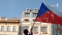 شهروندان چک در تظاهراتی خواستار استعفای نخستوزیر شدند
