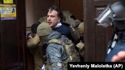 5 декабрь куни Украина махсус кучлари Михаил Саакашвилини ҳибсга олди.