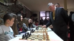 Russian Grand Master Promotes Chess In Serbian Village