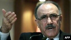 Түркиянын ички иштер министри Бешир Аталай