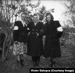 Axenia Bulhac (centru) la o nuntă