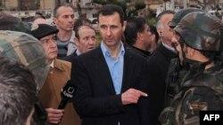 Башор Асад (дар байн)