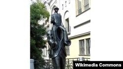 Praqada Franz Kafka heykəli