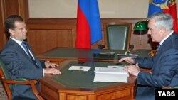 Президент Ингушетии Мурат Зязиков (справа) заявил, что спецслужбы, похищающие людей, подчиняются Москве