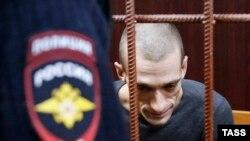 Российский художник Петр Павленский в суде по его делу. Москва, 10 ноября 2015 года.