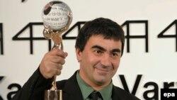 فیلم «جزیره ذرت» از گرجستان جایزه نخست جشنواره کارلوویواری را از آن خود کرد