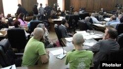 Слушания в парламенте Армении, 2 декабря 2011 г.