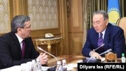 Владимир Жұмақанов Қазақстан президенті Нұрсұлтан Назарбаевтың қабылдауында. Астана, 25 қаңтар 2016 жыл.