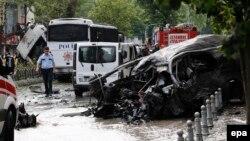 На месте сегодняшнего взрыва в Стамбуле