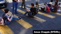 Ցուցարարները Երևանում փողոց են փակել, արխիվ