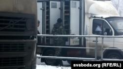 Орусияга өтүп бараткан унааларды текшерүү. 9-декабрь.