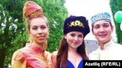 Илүсә Хуҗина, Диләрә Хәйретдинова һәм Айдар Сөләйманов