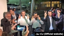 Former president Mahmoud Ahmadinejad (C) meeting with his close aid Hamid Baghaei and close supporters, just after Baghaei's release from detention, on July 26, 2017.