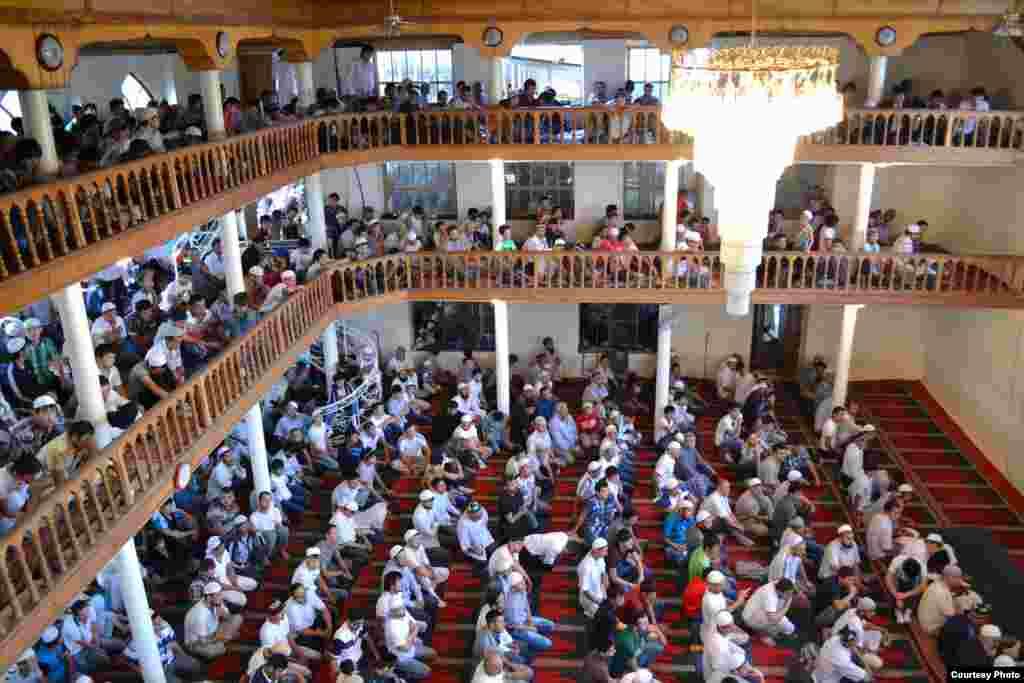Мечеть Ас-Сахарий в Кара-Суу - одна из крупнейших мечетей юга страны