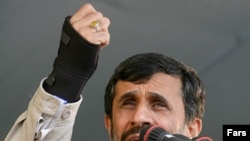Iran's President Mahmud Ahmadinejad said Iran would respond to a change in big powers' behavior.