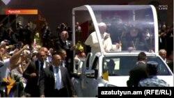 Հռոմի Ֆրանցիսկոս Պապը շրջում է Գյումրիում, 25-ը հունիսի, 2016 թ․