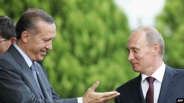 Turkish Prime Minister Recep Tayyip Erdogan (left) with counterpart Vladimir Putin in Ankara on August 6