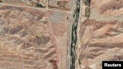 Следы разрушения на военной базе в Парчине, куда не могут попасть инспекторы МАГАТЭ