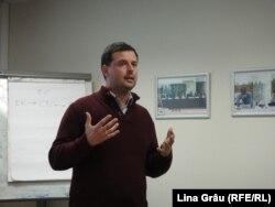 Nerijus Maliukevicius vorbind la seminarul din Vilnius